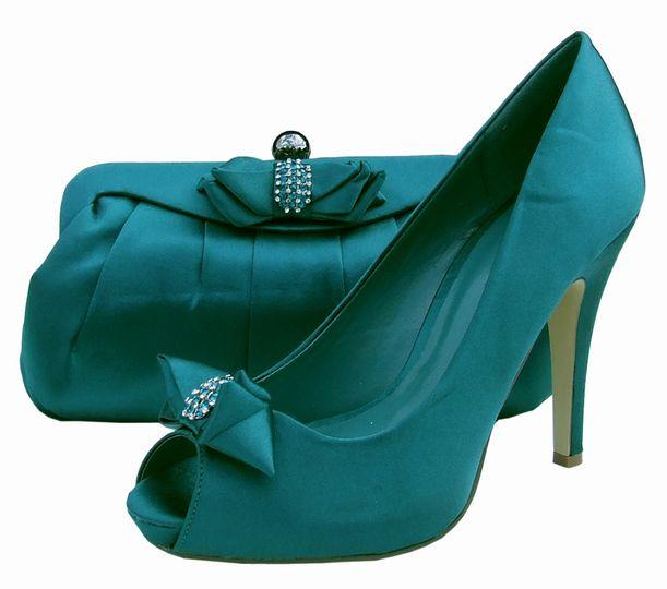 Menbur Green Evening Shoes