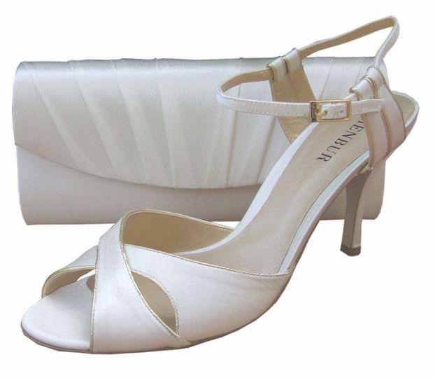 Menbur Ivory Satin Heeled Sandal