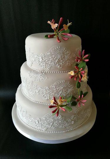 Lace & Honeysuckle Wedding Cak