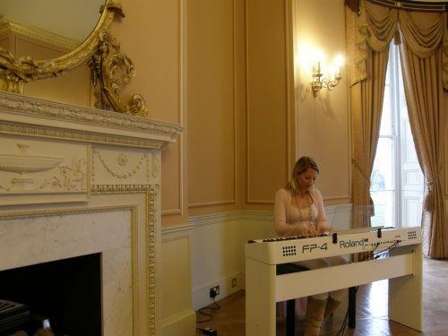 Wedding pianist playing for a drinks reception at Hylands House