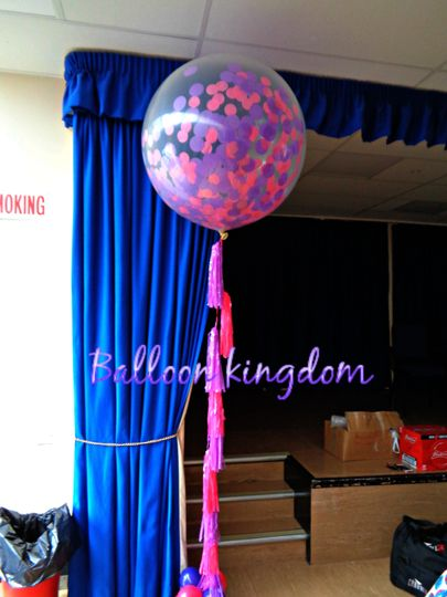 Confetti balloon with tassles
