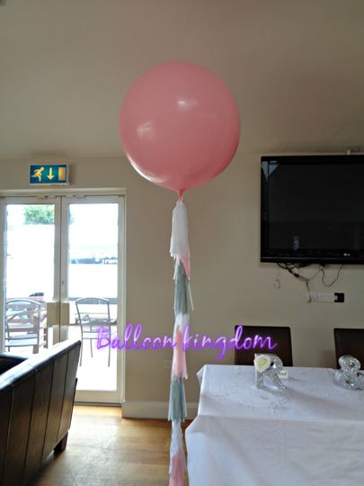 Giant balloon with tassel tail