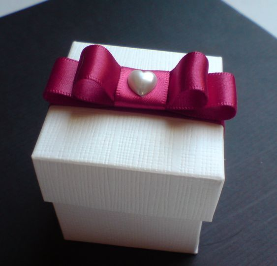 Favour Box with Bow & Heart
