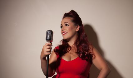 Holly Jayne - Singer
