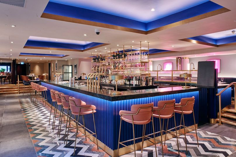 Main Bar of Le Monde Hotel