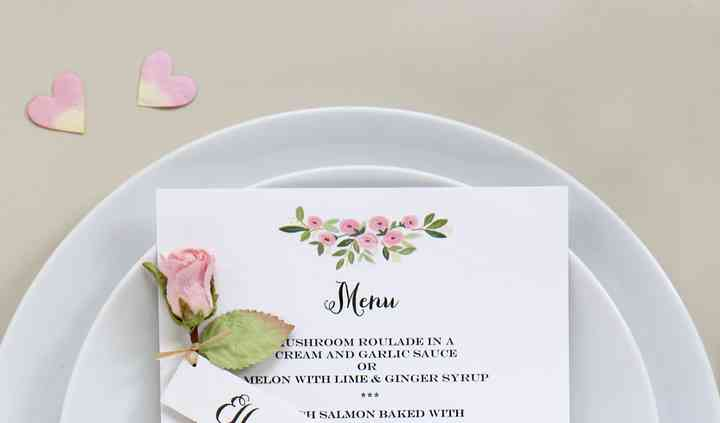 Paper rose place setting