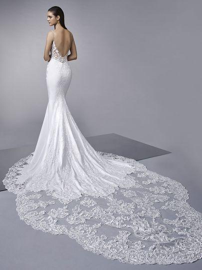 727ceca8bfa6 The Dressing Rooms - Wedding Dress Enzoani Platinum Partner
