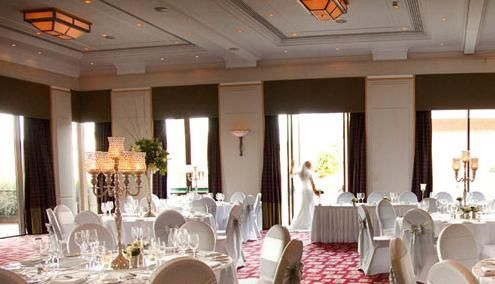 The Crowne Plaza Reading Crown Weddings