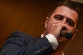 Peter D Hill - Singer & DJ