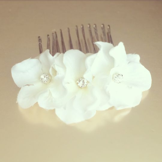 Flower crystal comb