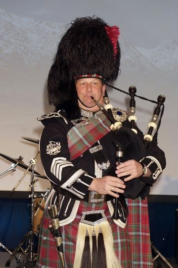 Bagpiper Online Group
