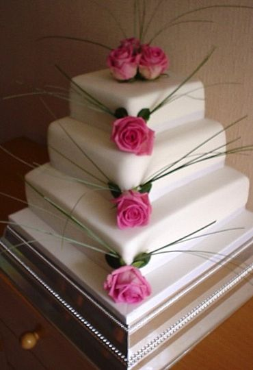 Fresh rose cake