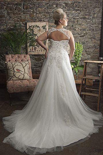 Callista Range for Brides with Curves2