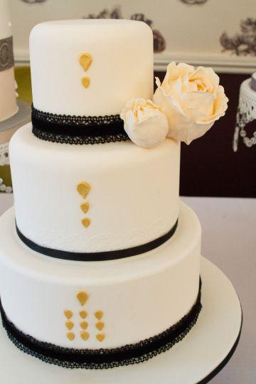 Victoria Deco Cake
