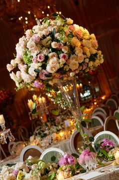 Grand table displays