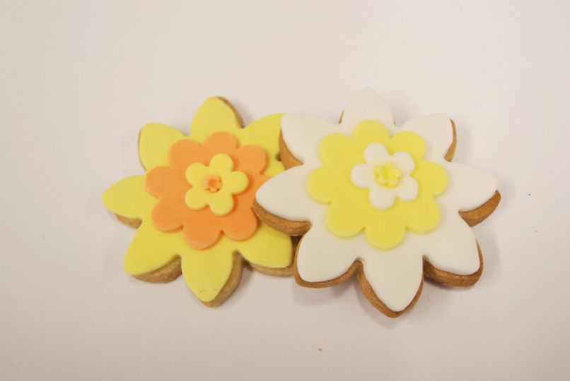 Spring flower wedding favours