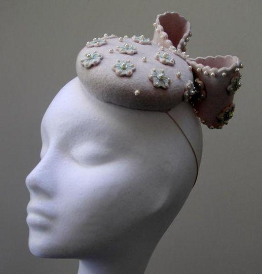 Felt flower & bow cocktail hat