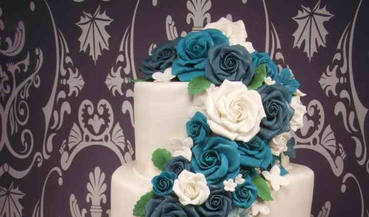 EnTicing Cakes By Christine
