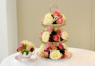 Vinage Wedding using cake stand
