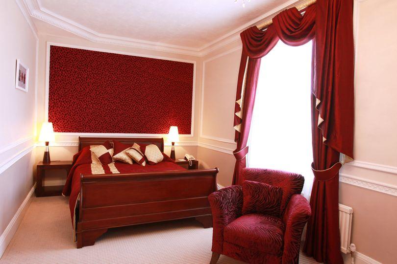 Bedroom suite 125