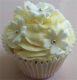 Yellow posy cupcake