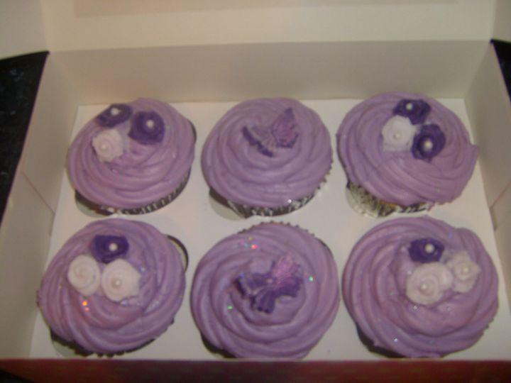 Lilic rose cupcakes