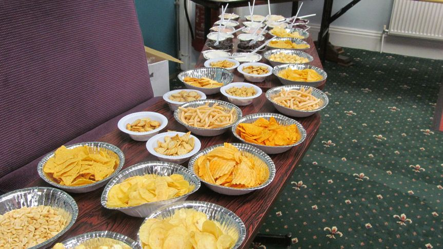 Crisps, nibbles and dips