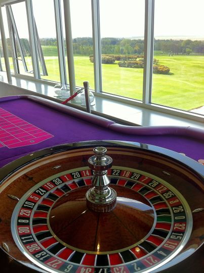 Full size roulette table