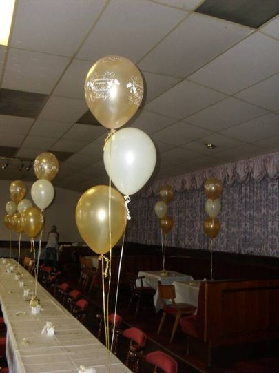 Golden Wedding Balloons From Jesters Balloon Decorations Photo 3