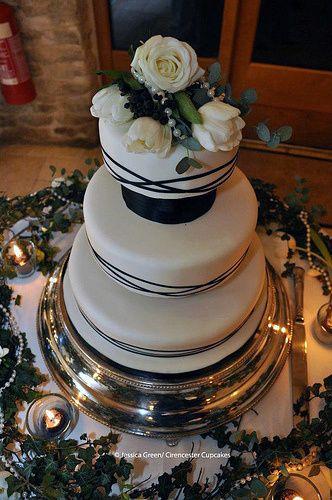 Winter Monocrhrome Cake