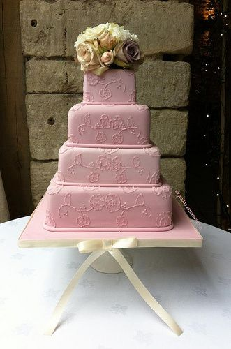 'Pretty in Pink' Cake