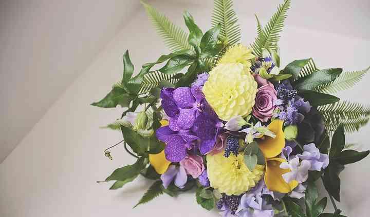 Modern style bouquet