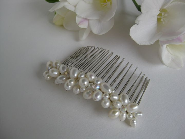 Ivory freshwater pearl comb