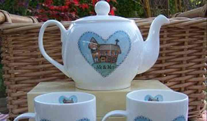 Fine Bone China Mr & Mrs Wedding Set