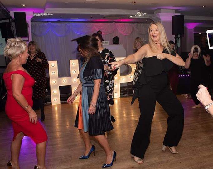 Twist off dance off