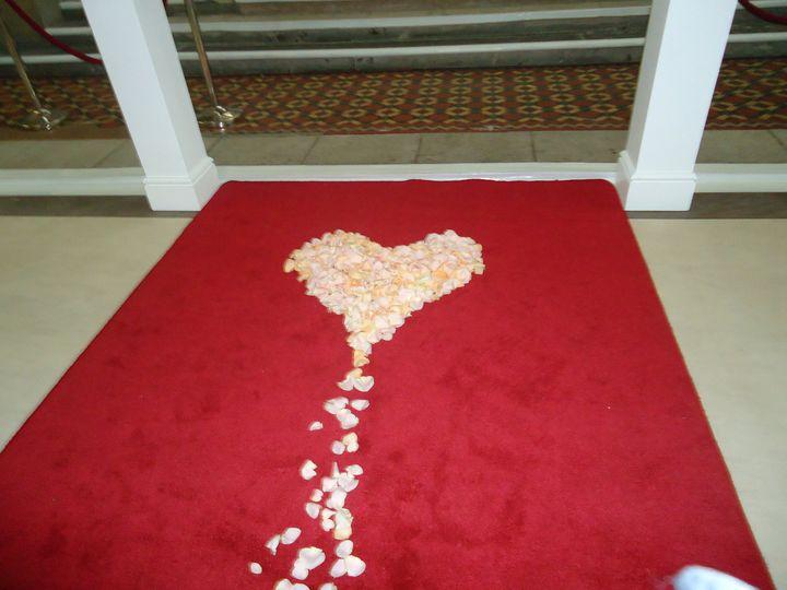 Heart shaped petal arrangement