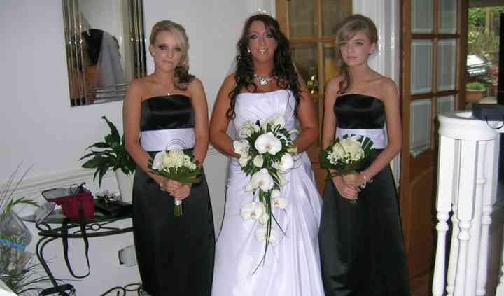 White brides bouquet