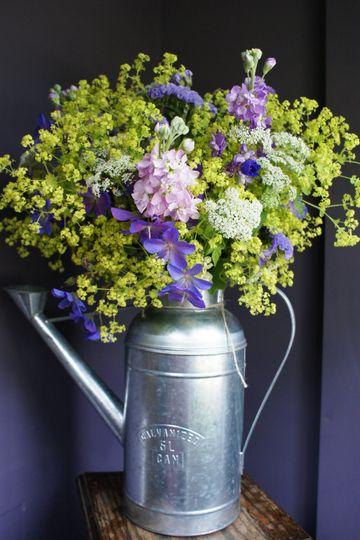 Vintage wedding table flowers