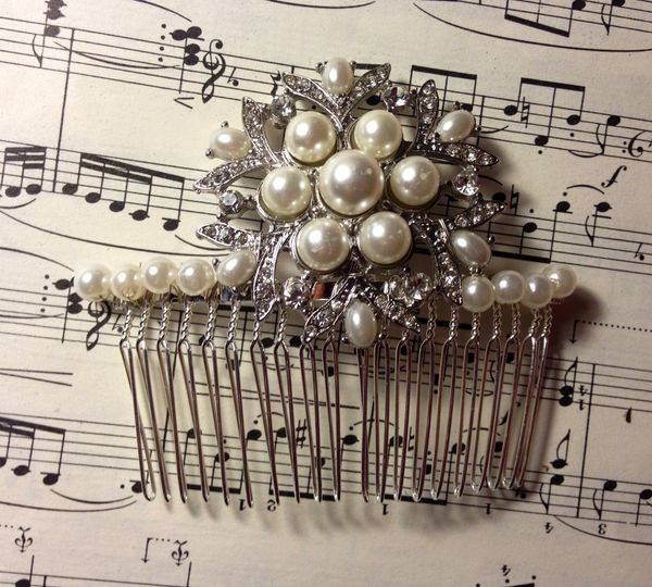 Large pearl comb