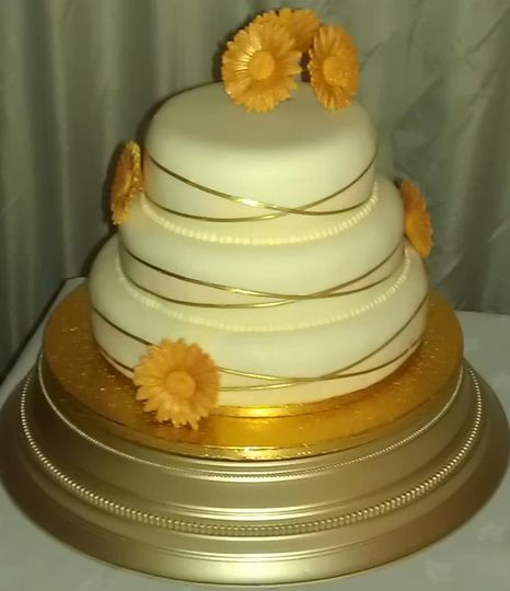 Cake with gold flowers