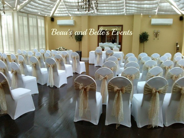 White, ivory and mocca theme