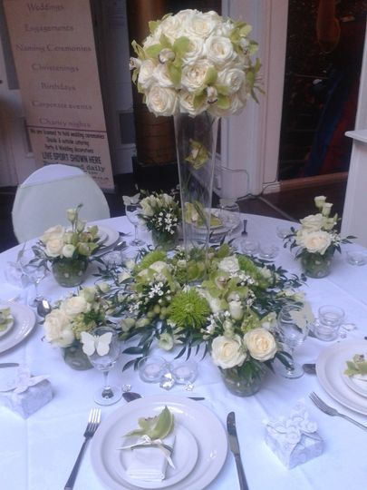 White and green table