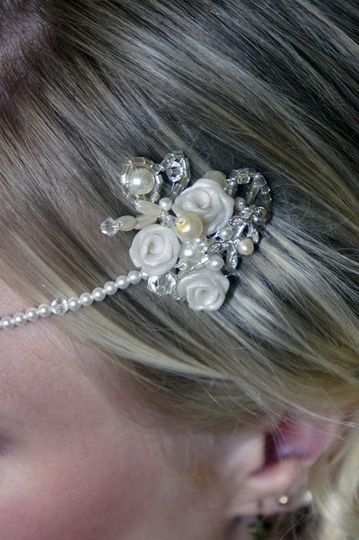 Kirsty - headpiece close up