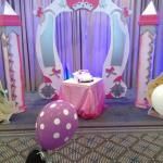 Princess carriage photo arch