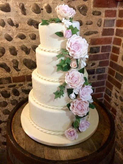 Rope and Rose Wedding Cake