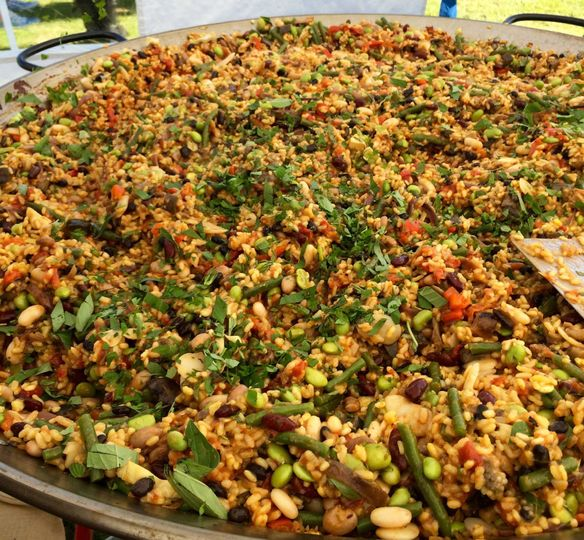Big pan veggie paella