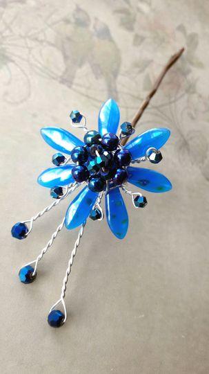 Blue flower hair grip