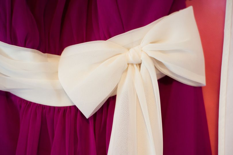 Bow detail on bridesmaid dress