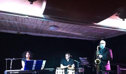Milly Riquelme - Singer & Pianist
