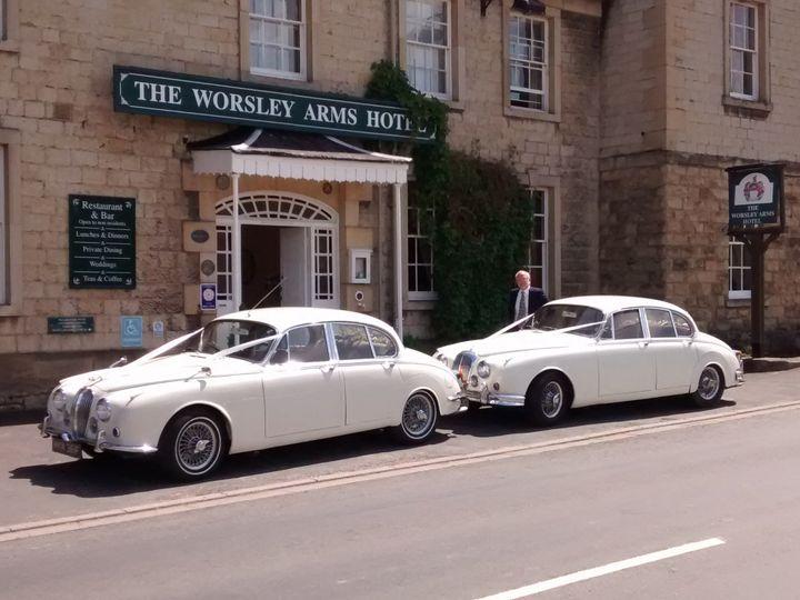 Jaguar MkII & Daimler V8 250